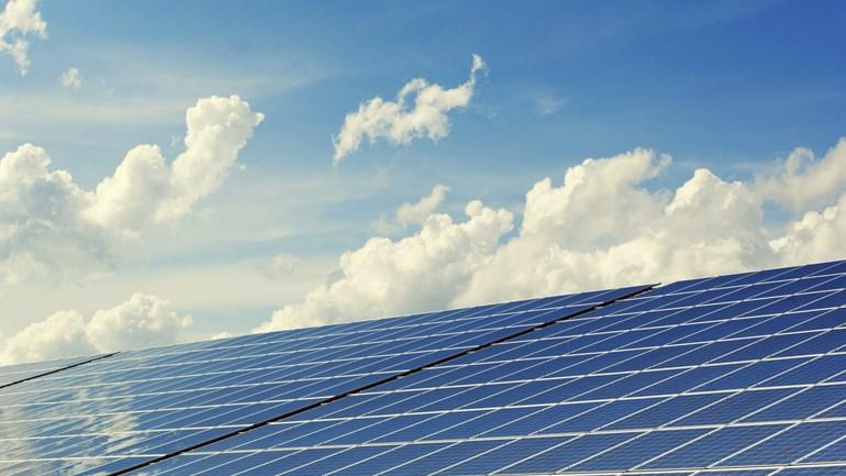Minister Wiebes: vv Nieuw Buinen mag op reservestrook elektriciteitsnet